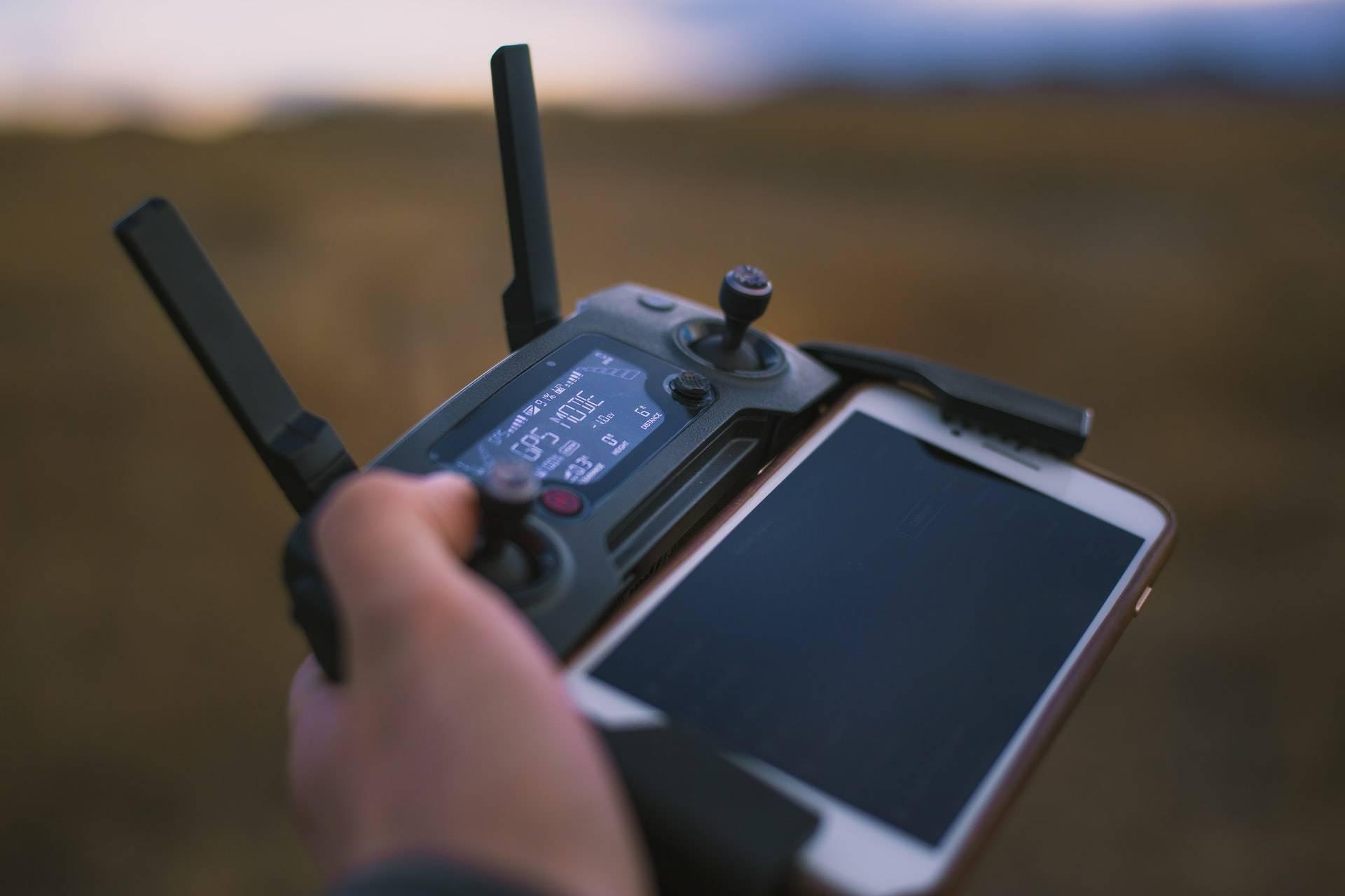 χειρισμός drone και έλεγχος μπαταρίας